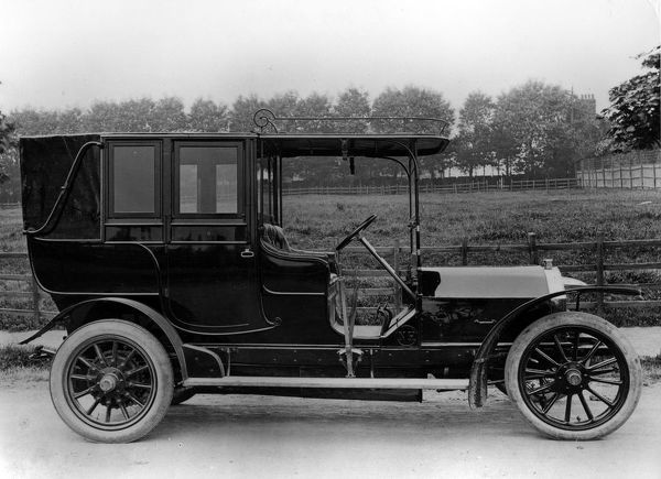 1909 Nagant - Hobson. Creator: Unknown