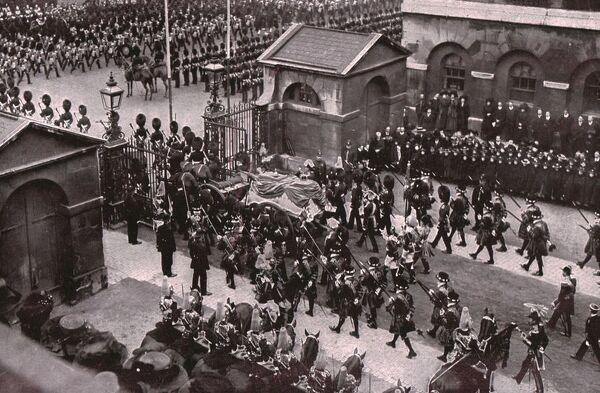 Funeral procession of King Edward VII, Whitehall, London, 20 May 1910. The gun carriage, bearing the king's body, leaving Horse Guards Parade. The funeral of King Edward VII of the United Kingdom of Great Britain and Ireland and Emperor of India