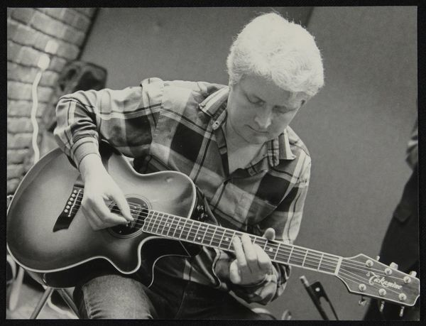 Guitarist Dave Cliff playing at The Fairway, Welwyn Garden City, Hertfordshire, 28 April 1991