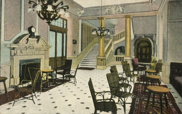 'The Lounge, Abercorn Rooms, Liverpool Street Hotel', c1907. Originally built in 1884 as the Great Eastern Hotel, the Liverpool Street Hotel in the City of London was close to Liverpool Street railway station and to the underground station
