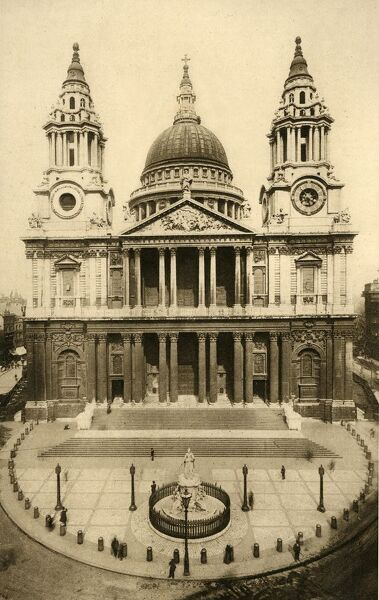 St. Paul's Cathedral, London, c1924. Sir Christopher Wren's great domed cathedral, built to replace the previous building which was destroyed by the Great Fire of London in 1666. Postcard. [Photochrom Co Ltd]