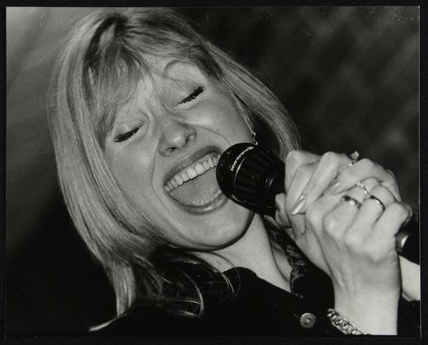 Tina May performing at The Fairway, Welwyn Garden City, Hertfordshire, 7 March 1999